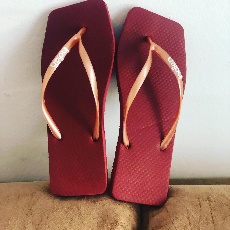 Sandália SBR quadrada lisa